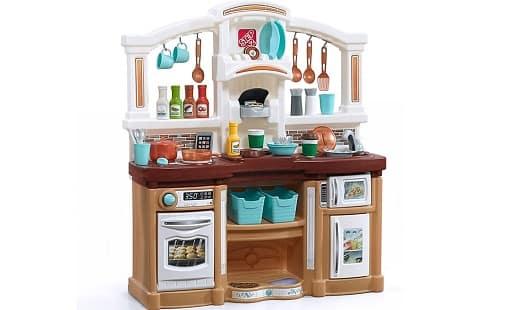 Step2 Fun with Friends Kitchen Set